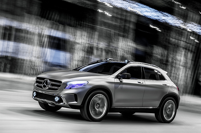 meet the new mercedes benz compact suv the gla class ddr surrey. Black Bedroom Furniture Sets. Home Design Ideas